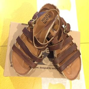 Kalso Earth Shoes Enlighten Sandal in Box, used for sale